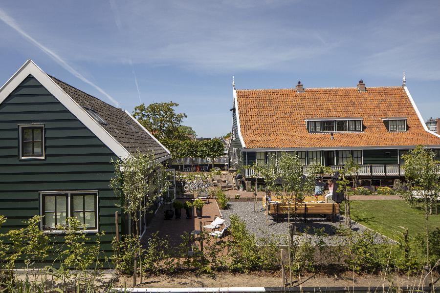 De tuin van B&B Saenliefde in Wormer